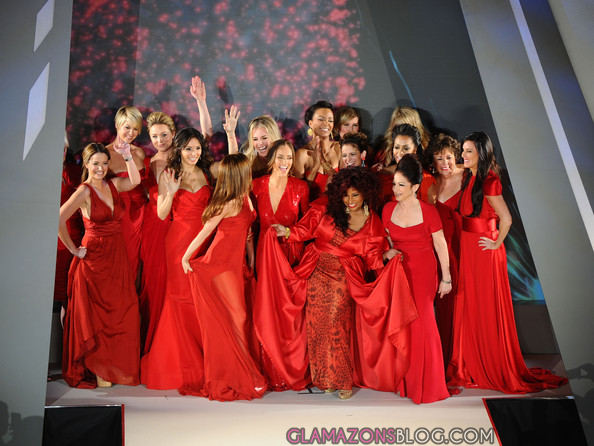 foto Stars Storm the Runway at the Heart Truth Red Dress Fashion Show: Kendall Jenner, Gabby Douglas,More