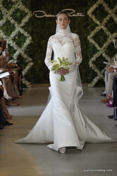 oscar-de-la-renta-bridal-spring-2013-white-lace-turtle-neck-wedding ...