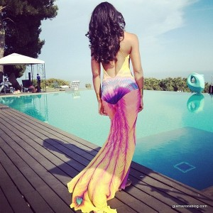 kelly-rowland-summer-dreaming-video-instagram-barcelona-maria-grachvogel-rainbow-phoenix-gown-glamazons-blog