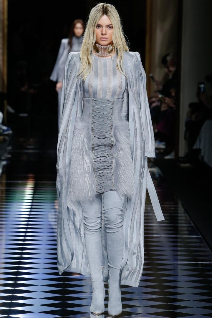 Balmain-Fall-2016-Laced-Fur-Dress-Fashion-Glamazonsblog
