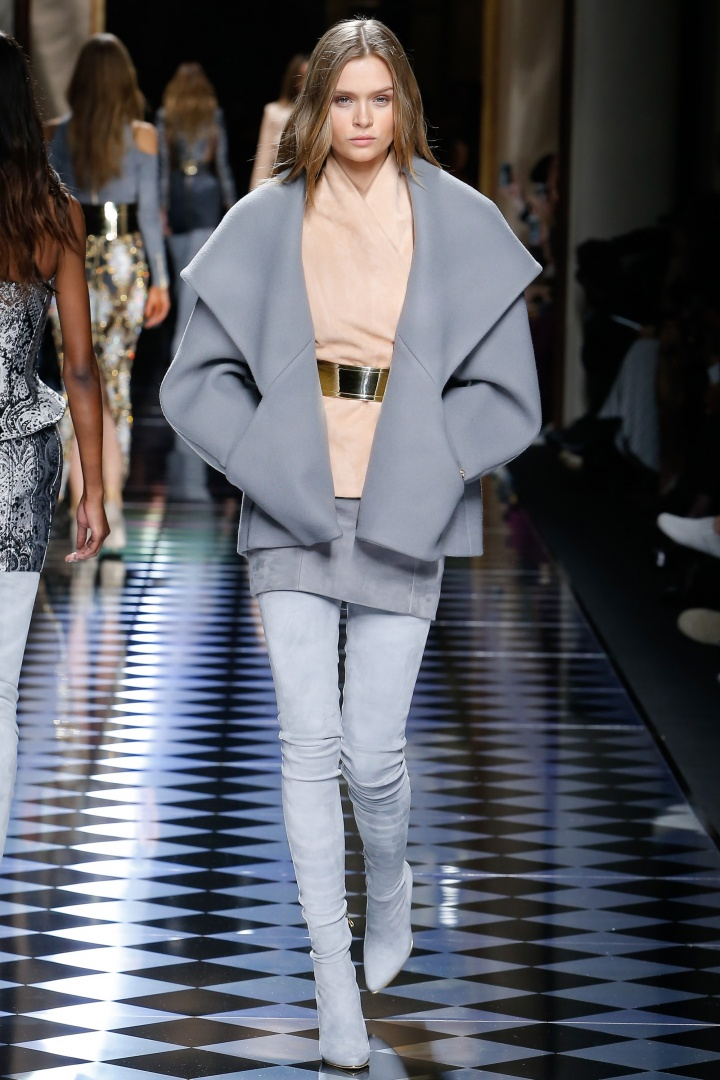 Balmain-Fall-2016-Pastel-Blue-Coat-Fashion-Glamazonsblog
