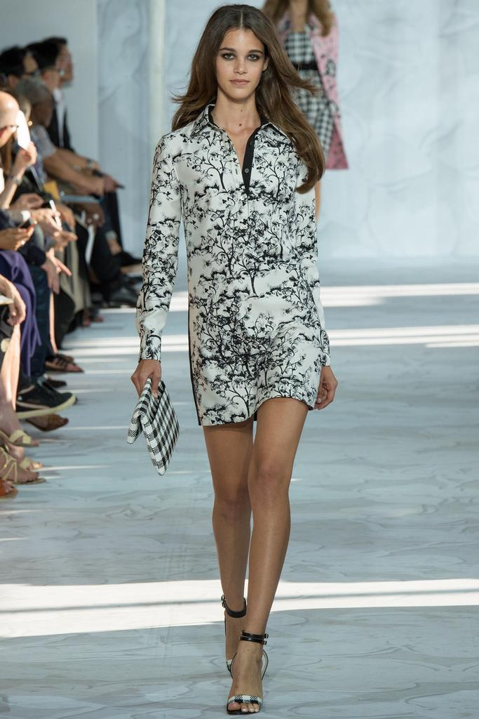 Diane-von-Furstenberg-Spring-2015-Collection-NYFW-Black-and-White-Floral-Long-Sleeve-Shirtdress-Glamazonsblog
