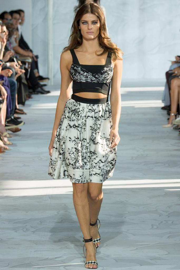Diane-von-Furstenberg-Spring-2015-Collection-NYFW-Black-and-White-Floral-Wasp-Skirt-Crop-Top-Glamazonsblog