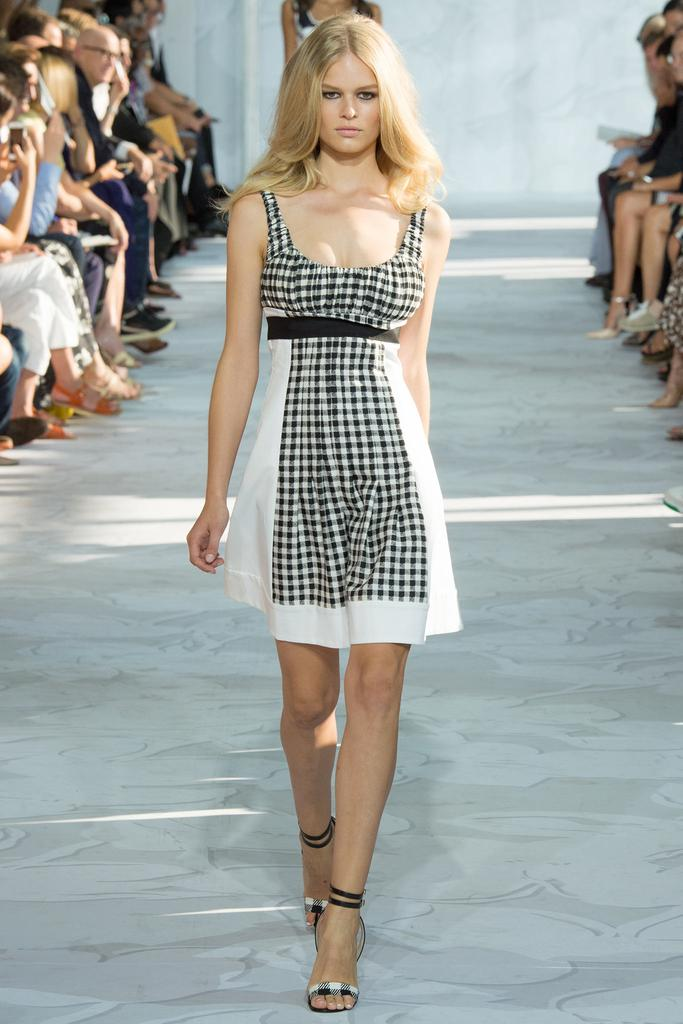 Diane-von-Furstenberg-Spring-2015-Collection-NYFW-Black-and-White-Gingham-Baby-Doll-Dress-Glamazonsblog