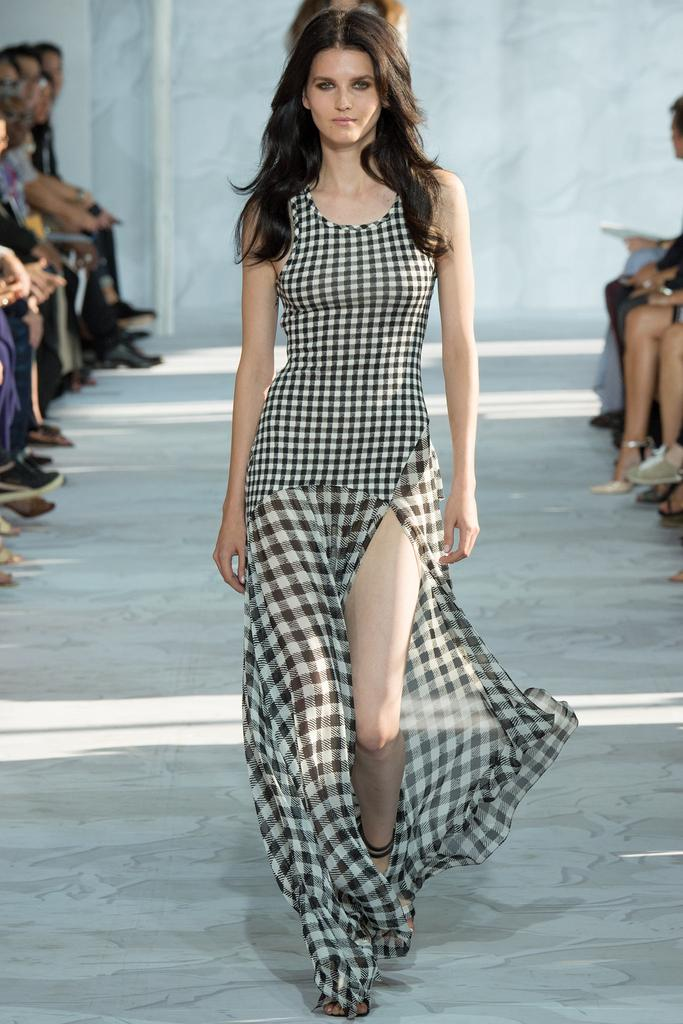Diane-von-Furstenberg-Spring-2015-Collection-NYFW-Black-and-White-Gingham-Dress-Sheer-Train-Glamazonsblog