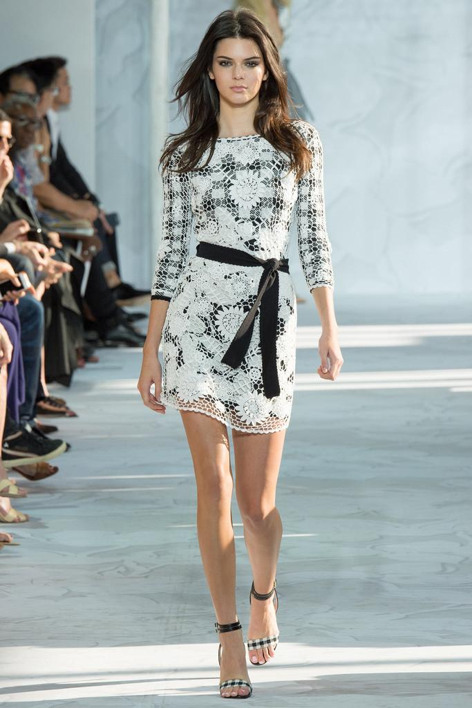 Diane-von-Furstenberg-Spring-2015-Collection-NYFW-Black-and-White-Gingham-Floral-Lace-Glamazonsblog