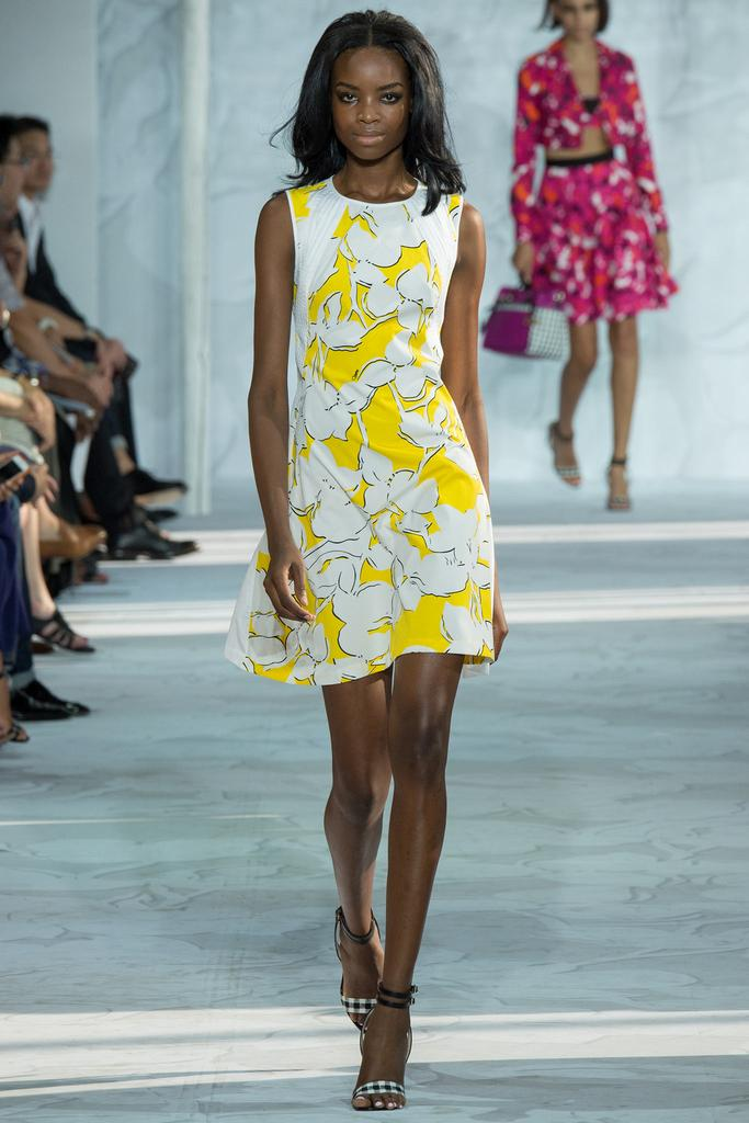 Diane-von-Furstenberg-Spring-2015-Collection-NYFW-Floral-Aline-Dress-Glamazonsblog