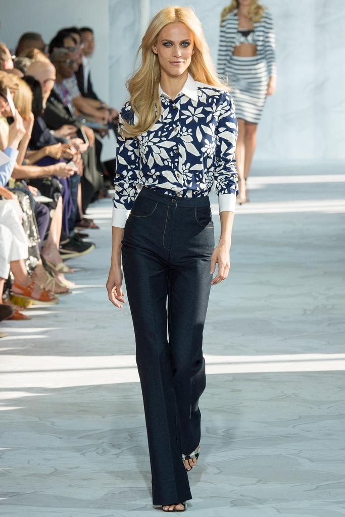 Diane-von-Furstenberg-Spring-2015-Collection-NYFW-Floral-Button-Up-Flared-Trousers-Glamazonsblog