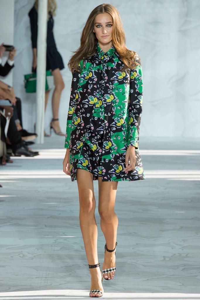 Diane-von-Furstenberg-Spring-2015-Collection-NYFW-Floral-Outerwear-Shortset-Glamazonsblog