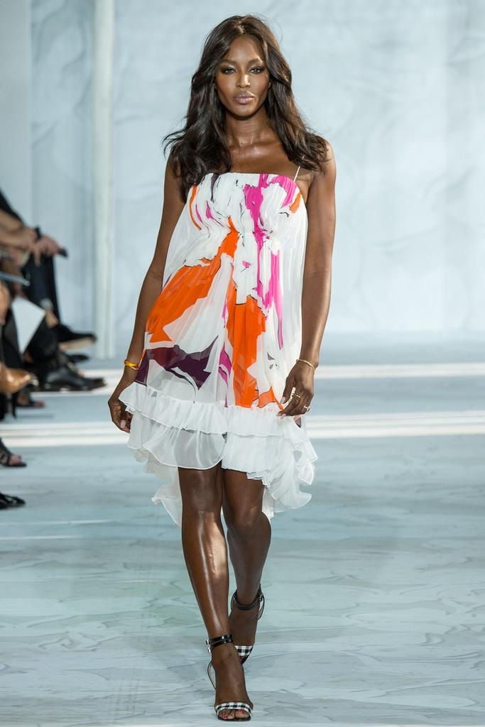 Diane-von-Furstenberg-Spring-2015-Collection-NYFW-Floral-Tiered-Ruffle-Dress-Naomi-Campbell-Glamazonsblog