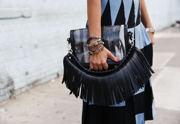 Fringe-Snakeskin-Clutch-Fashion-Trend-Glamazonsblog