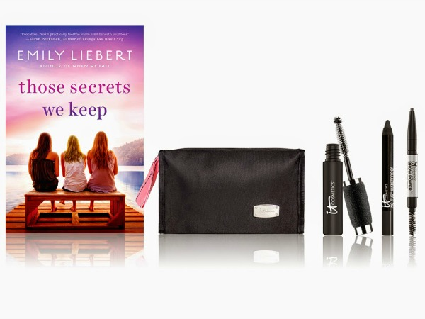 .@ITCosmetics + A Great #Summertime Read!