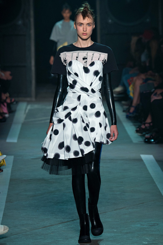 Marc-by-Marc-Jacobs-Spring-2015-NYFW-Asymmetrical-Polka-Dot-Pleated-Dress-Latex-Bodysuit-Plastic-Boots-Glamazonsblog