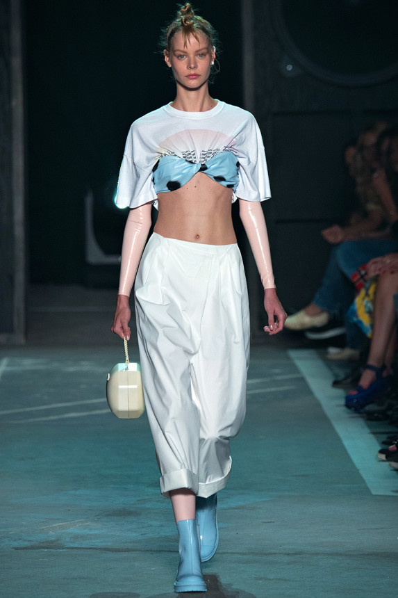 Marc-by-Marc-Jacobs-Spring-2015-NYFW-Latex-Leggings-Polka-Dot-Bandeau-and-Graphic-Tee-Harem-Pants-Glamazonsblog2