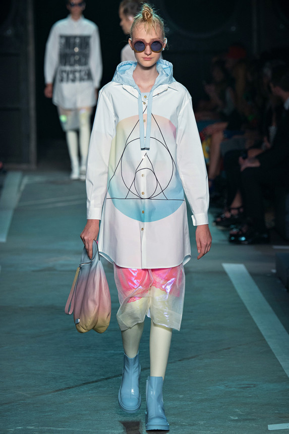 Marc-by-Marc-Jacobs-Spring-2015-NYFW-Latex-Leggings-Printed-Pastel-Anorak-Outerwear-Glamazonsblog