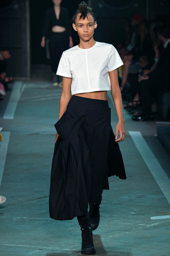 Marc-by-Marc-Jacobs-Spring-2015-NYFW-Menswear-Crop-Top-Asymmetrical-Pleated-Skirt-Glamazonsblog