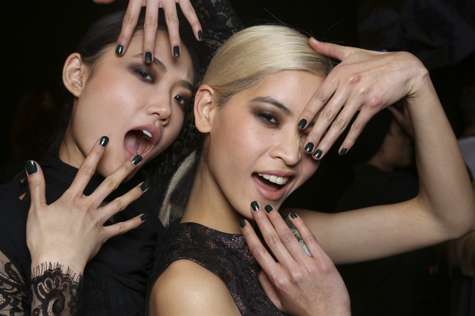 #NYFW Beauty: Dark, Jewel Toned Nails At Nicole Miller Fall 2015 @butterLONDON - Glamazons Blog