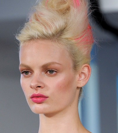 Dying To Try: Oscar De La Renta Spring 2013 Pink, Yellow and Blue-Streaked Hair at #NYFW
