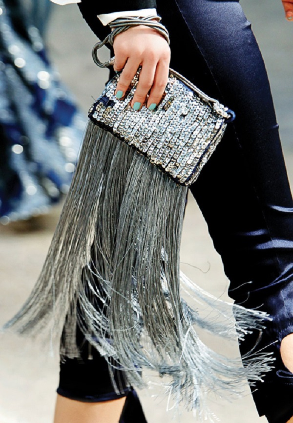 Sequin-Fringe-Metallic-Clutch-Fashion-Trend-Glamazonsblog