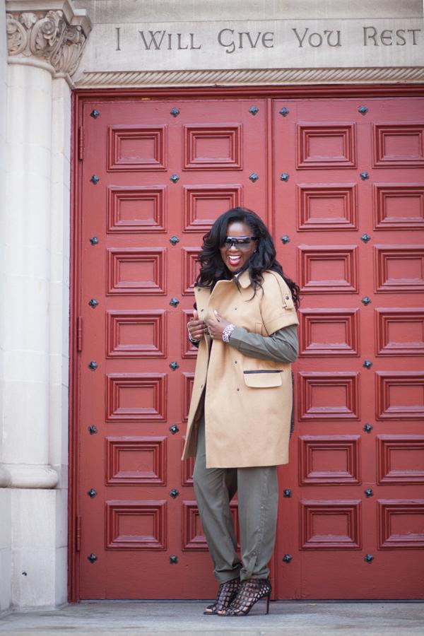 StyleandBeautyDoctor-Short-Sleeve-Coat-Fall-Outerwear-Trend-Glamazonsblog