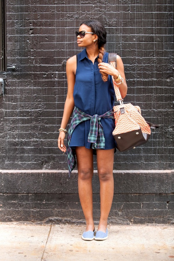 Theodora-Lexington-Blue-Sleeveless-Shirt-Dress-Denim-Espadrilles-Print-Accessories-Spring-Trend-Glamazonsblog