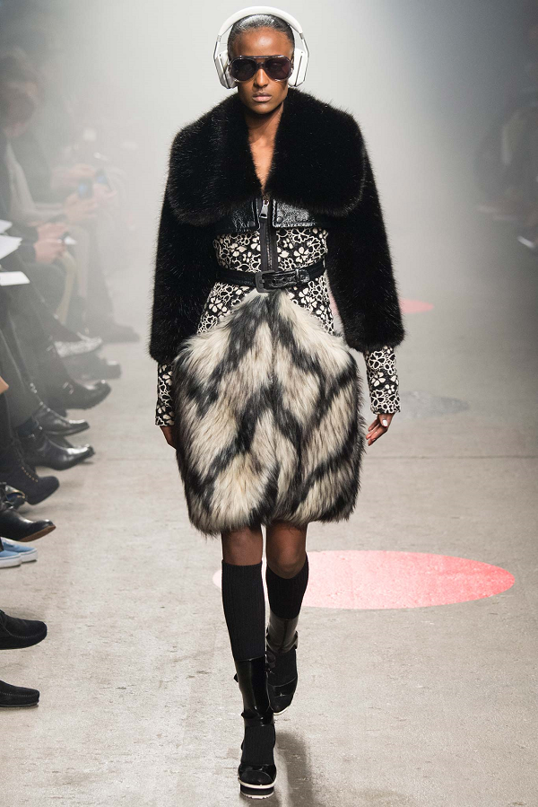 Tracy-Reese-Fall-2015-Collection-Belted-Floral-Lace-Dress-Fur-Skirt-Arms-NYFW-Glamazonsblog