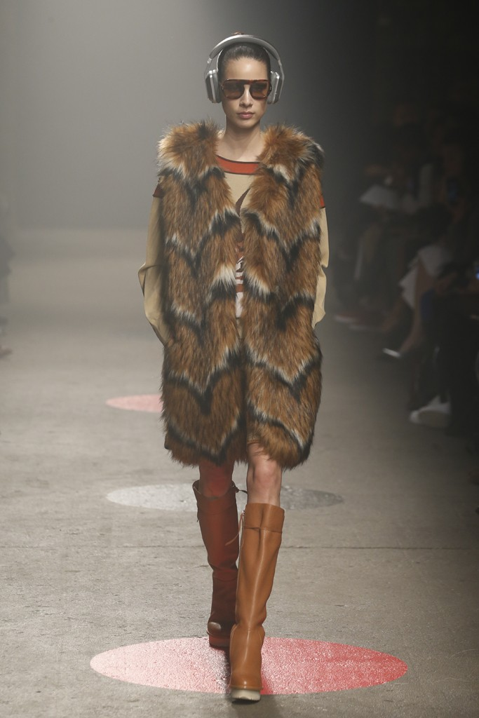 Tracy-Reese-Fall-2015-Collection-Chevron-Fur-Vest-Leather-Knee-High-Boots-NYFW-Glamazonsblog