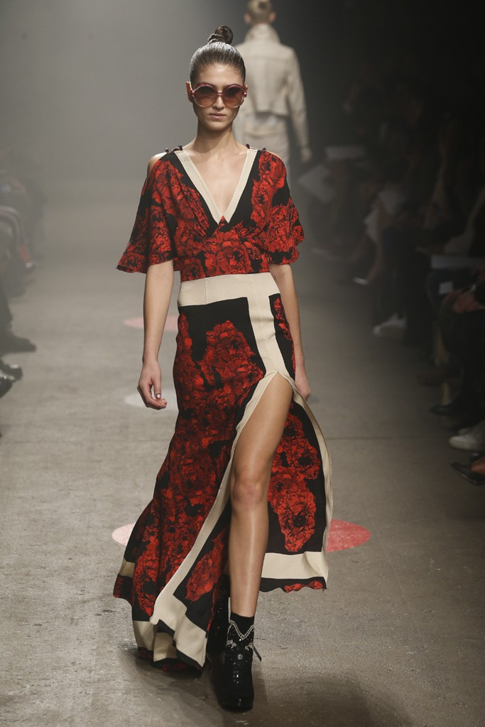 Tracy-Reese-Fall-2015-Collection-Deep-V-Floral-Gown-High-Slit-Cut-Out-Shoulders-NYFW-Glamazonsblog