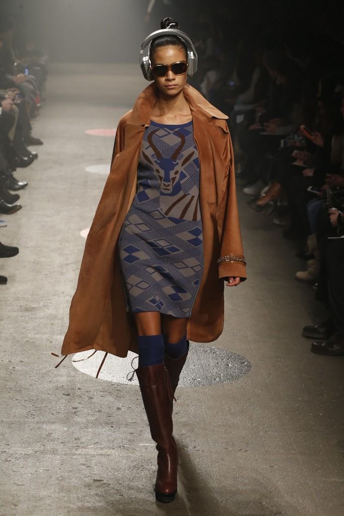 Tracy-Reese-Fall-2015-Collection-Deer-Print-Sweater-Dress-Trench-Coat-NYFW-Glamazonsblog