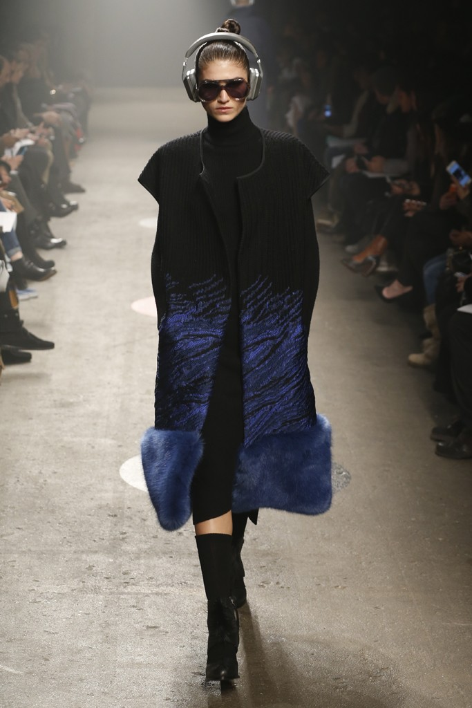 Tracy-Reese-Fall-2015-Collection-Fur-Hem-Knit-Coat-Turtleneck-Long-Sleeve-Dress-NYFW-Glamazonsblog