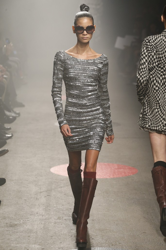 Tracy-Reese-Fall-2015-Collection-Metallic-Fringe-Scoop-Neck-Mini-Dress-Leather-Platform-Boots-NYFW-Glamazonsblog