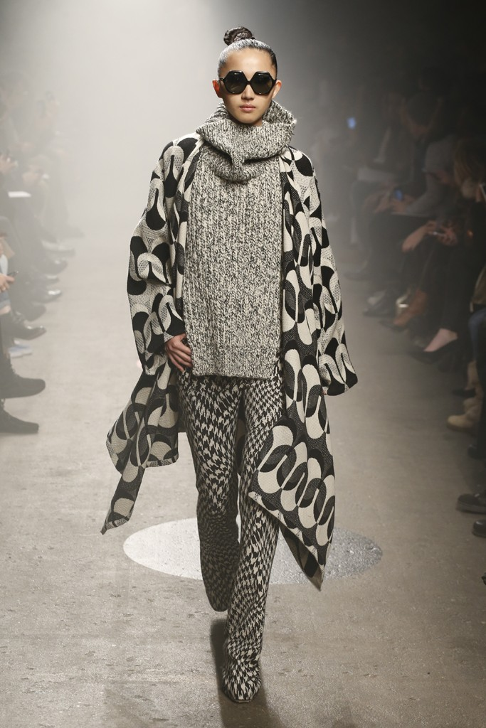 Tracy-Reese-Fall-2015-Collection-Oversize-Knitwear-Houndstooth-Print-Retro-Shades-NYFW-Glamazonsblog