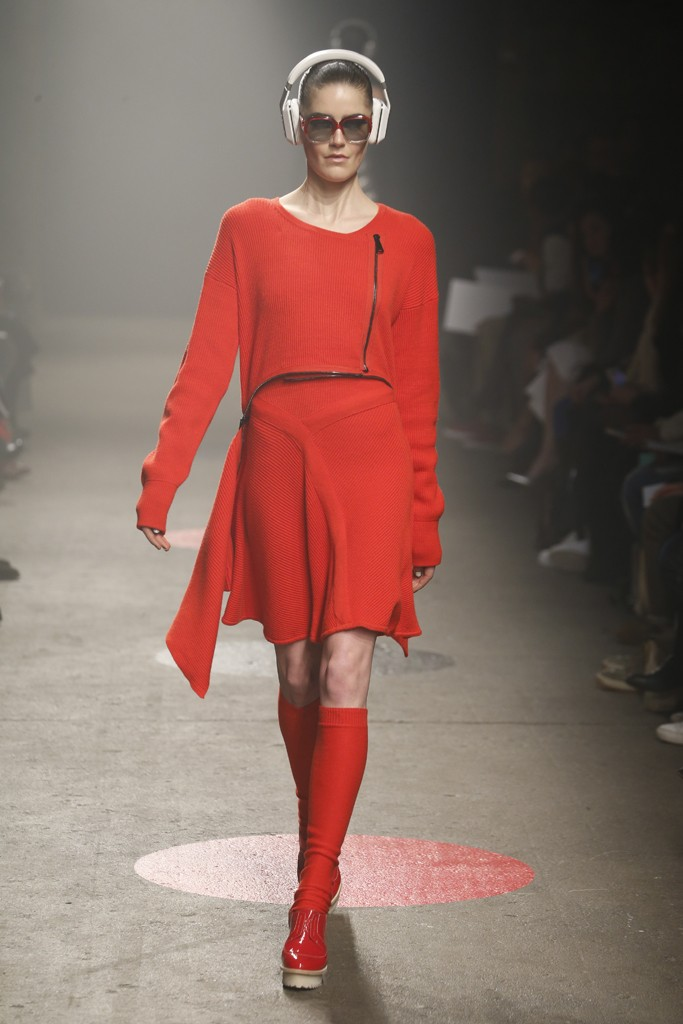 Tracy-Reese-Fall-2015-Collection-Red-Knit-Cutoff-Sweater-Dress-NYFW-Glamazonsblog