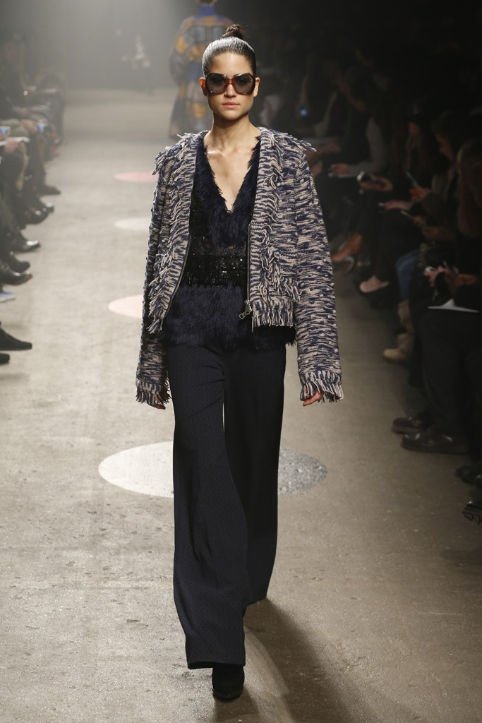 Tracy-Reese-Fall-2015-Collection-Wide-Legged-Pants-Deep-V-Feather-Top-Knit-Fringe-Jacket-NYFW-Glamazonsblog
