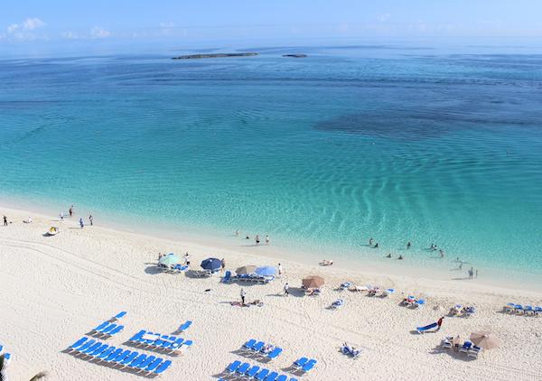 bahamas-riu-hotel-pool-glamazons-blog-3