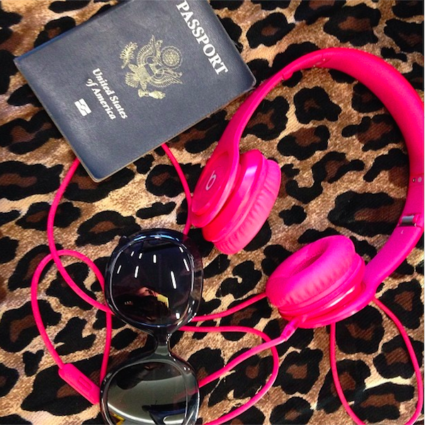 beats-by-dre-headphones-passport-balenciaga-sunglasses-glamazons-blog