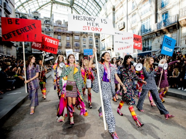 #PFW: Karl Lagerfeld's Feminist Protest at Chanel Spring 2015