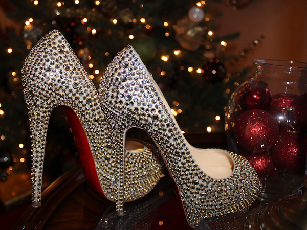 christian-louboutin-stud-embellished-pumps-glamazons-blog