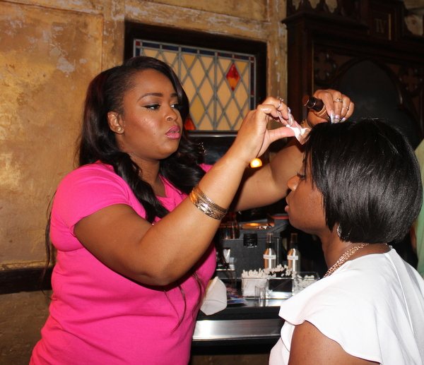 covergirl-essence-festival-nola-crawl-glamazons-blog-3