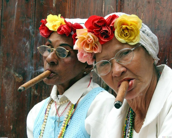 cuba-havana-cigars-old-women-bosses-glamazons-blog