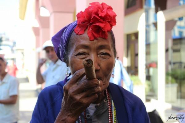 cuba-havana-older-woman-cigar-glamazons-blog