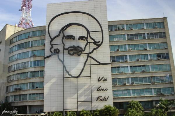 cuba-havana-revolution-square-camilo-cienfuegos-glamazons-blog