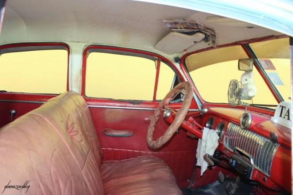 cuba-trinidad-classic-car-interior-glamazons-blog