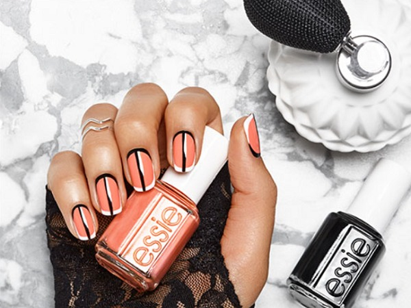 Last-Minute Halloween Nail Art That's Actually Easy to Create
