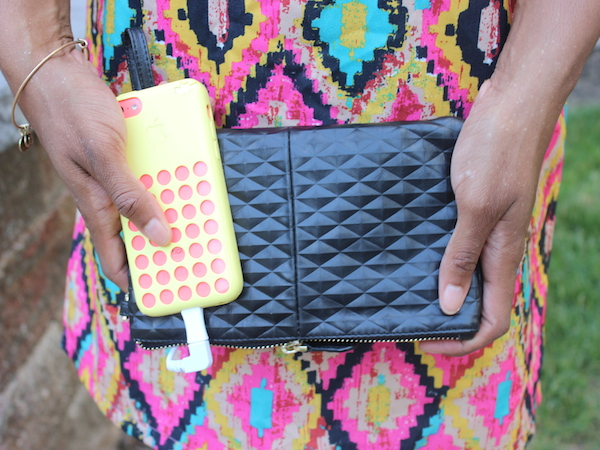 #GlamazonTech: My @HandbagButler Clutch Doubles As An On-The-Go Charger!