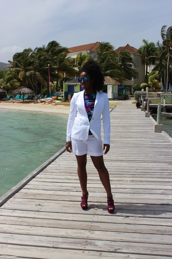 jamaica-street-style-just-fab-neri-banana-republic-white-blazer-express-white-shorts-boohoo-gracie-mirrored-sunglasses-jessica-c-andrews-glamazons-blog-3-final