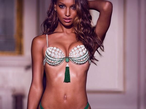 Would You Wear A $3 Million @VictoriasSecret Bra?