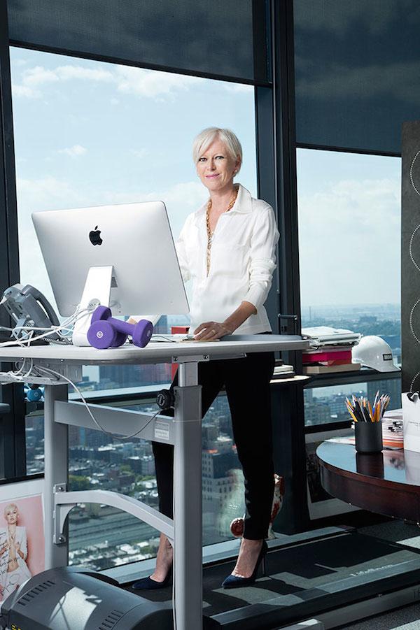 joanna-coles-treadmill-desk-cosmopolitan-glamazons-blog