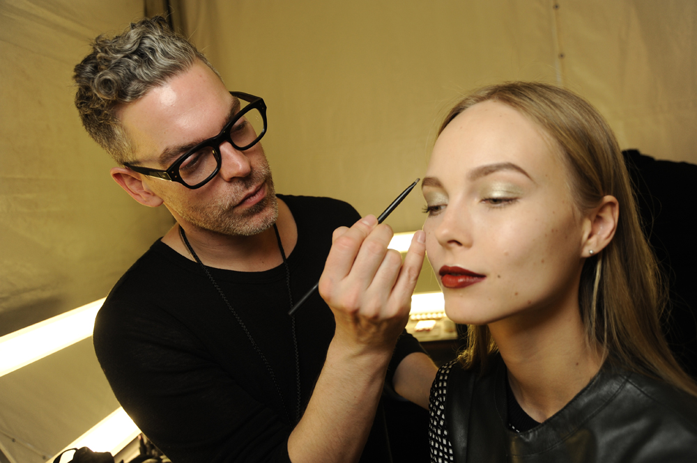 nars_naeem_khan_aw14_artist_in_action