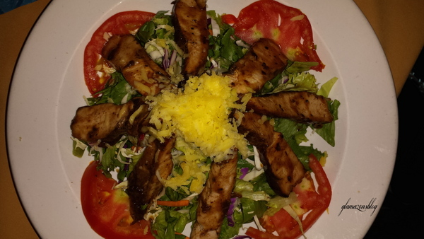 pier-one-restaurant-montego-bay-jamaica-jerk-chicken-salad-glamazons-blog